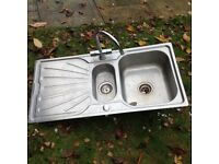 Sink and taps in stainless steel left hand drainer