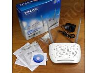 TP-Link TD-W8968 300Mbps ADSL2+ Wireless n Router with USB VGC