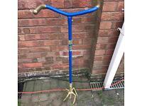 Garden soil turner