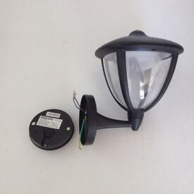 Philips outdoor LED wall light/lantern (Robin) – as new.