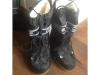 Childrens or women's Snow Boots UK 3-4