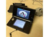 Nintendo 3DS + Pokemon Y + charging dock station