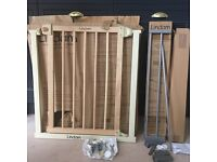 Lindam baby safety gate for stairs/doors