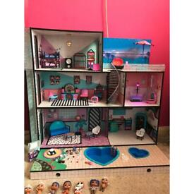 HUGE LOL Dolls house and accessories