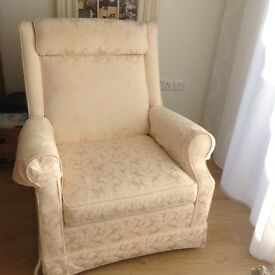 CREAM ARMCHAIRS X 2 PARKER KNOLL. CREAM MATCHING LADIES AND GENTS ARMCHAIRS. VGC