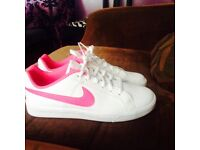 Brand new size 5 Nike trainers