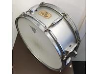 Pearl export snare drum