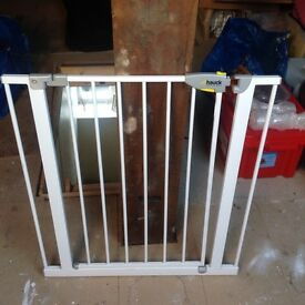 White adjustable stair gate