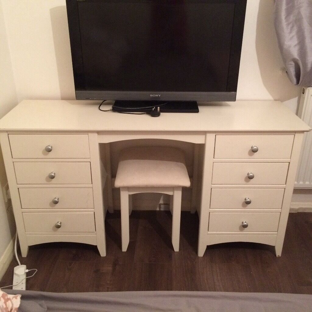 Marks And Spencer Hastings Bedroom Furniture Marks And Spencers Hastings Dressing Table And Stool Set In