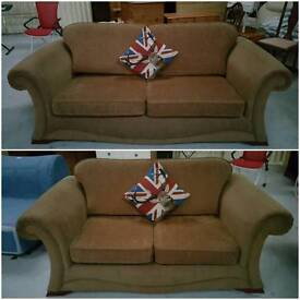 Modern 3 and 2 seater sofas in vgc can deliver 07808222995