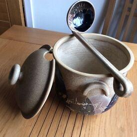 Pottery rumtopt pot hand thrown
