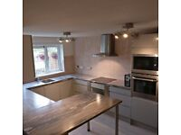 KITCHEN FITTERS FLAT PACK JOINT WORKTOP BEDROOM FURNITURE INSTALLATION WARDROBE CHEAP & HIGH QUALITY