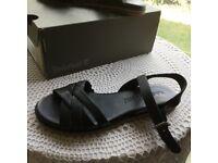 Timberland soft black leather sandals