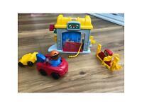 Fisher Price Little People Mechanics / tow truck / car 🚗 set - petrol ⛽️ car wash - Xmas gift 🎁