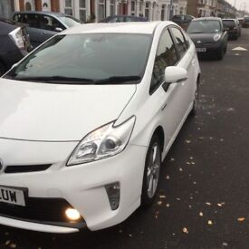 Toyota Prius 2013 For Quick Sale due to no parking space