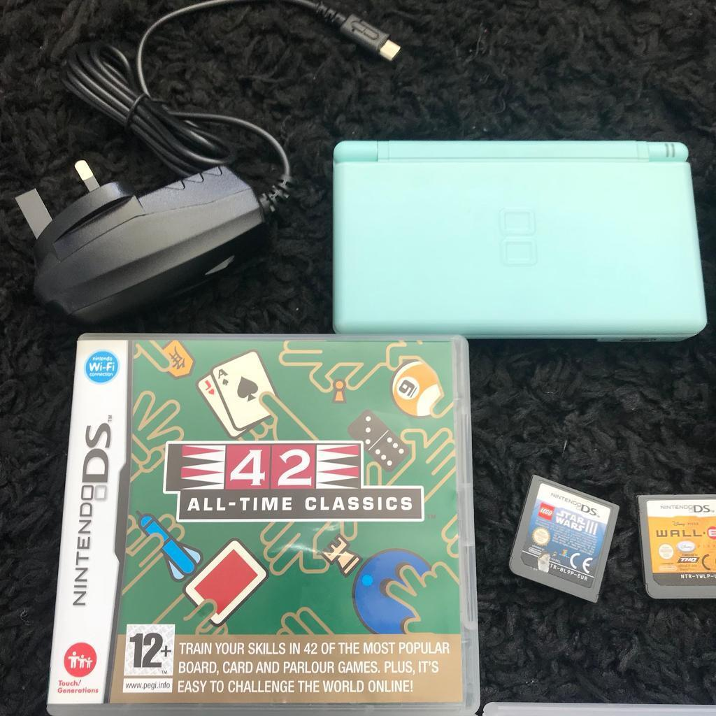 Nintendo DS Lite in Blue with 5 games, stylus, charger and ...
