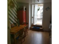 Room to rent in Friendly House in Eastbourne Town Centre
