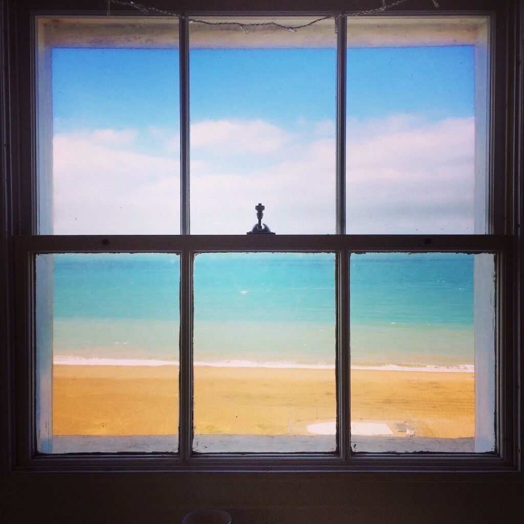 Beautiful 2BHK facing the sea