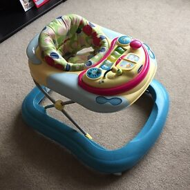 Baby walker with sounds