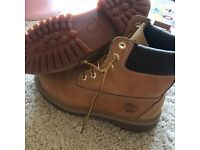 Woman's timberlands size 6