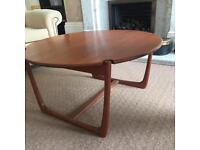 Circular wooden coffee table - teak - Danish Borge Mogensen style