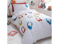 Debenhams 2 of Kids Headphones Reversible siingle Duvet Cover, Pillow Case Set