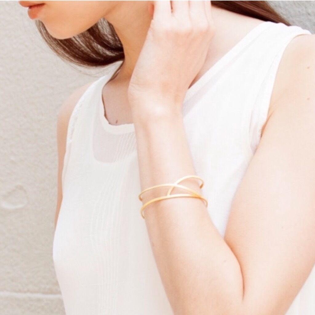 Brand New Gold Embolic Bracelet Jewellery