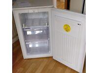 Zanussi Freezer (ZFT307MW) under counter/white