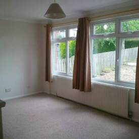 Conveniently located 3 bed property to rent on a 6 months shorthold tenancy