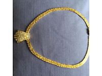 Attractive gold coloured necklace