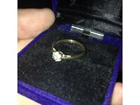 9kt gold ring