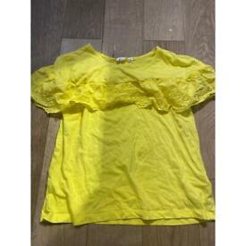 GAP XS Yellow T-Shirt with Rippled Fabric all around