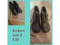 Unisex kickers size 8