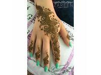 Mehndi artist