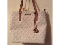100% Genuine NEW With tags Michael Kors Bags from NEW YORK.
