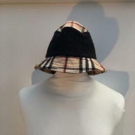 Rare Vintage Burberry London bucket hat