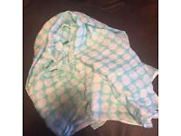 Turwuoise scarf with white spots *new*