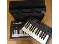 M-Audio Oxygen 25 midi keyboard plus bag
