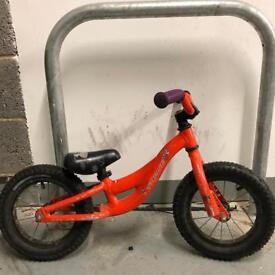 """""""Specialised"""" runner/balance bike"""