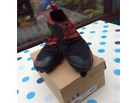 As New Vivobarefoot Trail Shoes size 9