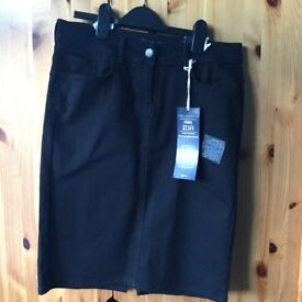 M&as black pencil skirt NEW with Tags size12