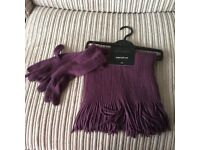 Scarf and gloves set brand new unworn in bilberry.