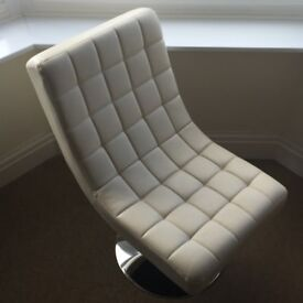 Cream 60s style quilted swivel chair good condition