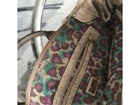 Guess handbag used once