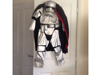 Star Wars Outfit Never Been Worn 5- 6 years Old New with Tag