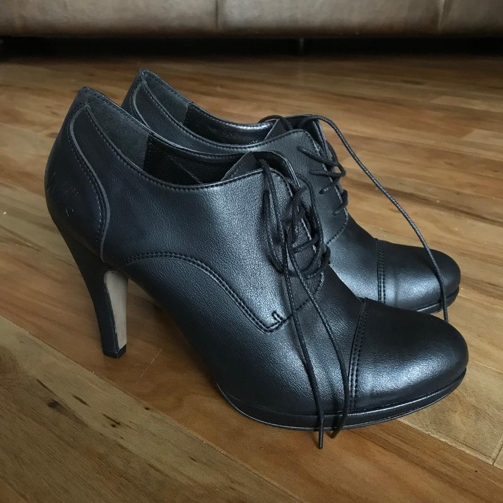 Wills vegan shoes black shoe boots UK 6.5 / 40