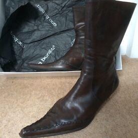 Ladies Ana Bonilla leather boots size 8/41,hardly worn