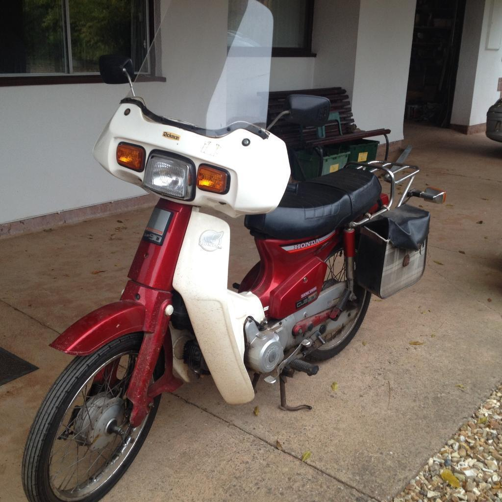 honda 90 cub scooter step through motorbike in taunton. Black Bedroom Furniture Sets. Home Design Ideas