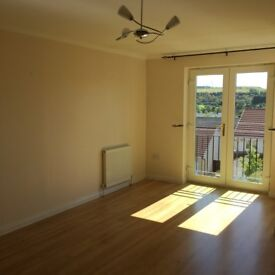 2-bed flat to rent in Ross Avenue, Oakbank, Perth, PH1 1GZ