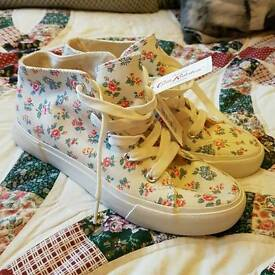 New Cath Kidston mid top shoes plimsolls converse baseball style size 4 37